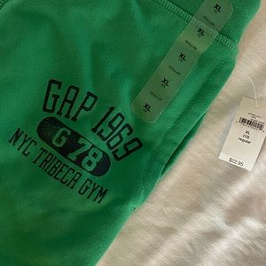 NWT GAP kids sweats in green💚with blue print/logo